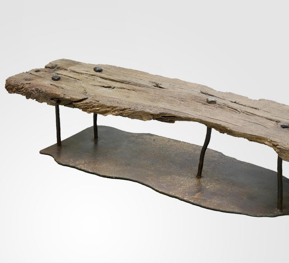 rescata y restaura piezas y las convierte en arte esculturas y piezas unicas mobiliario
